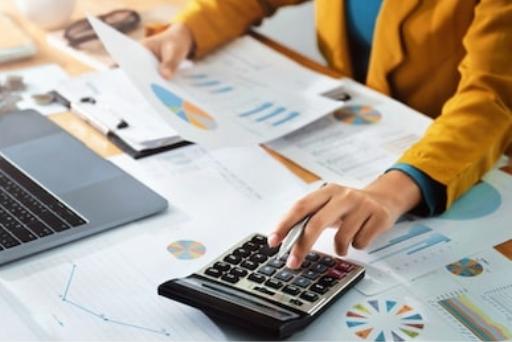 企业所得税按年计征是什么意思?企业所得税中常用的筹划方法有哪些?